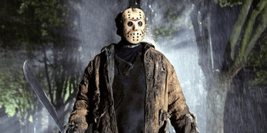 戴著 曲棍球面具 的 殺人魔 : 傑森沃爾希斯 (《 13號星期五 》)。