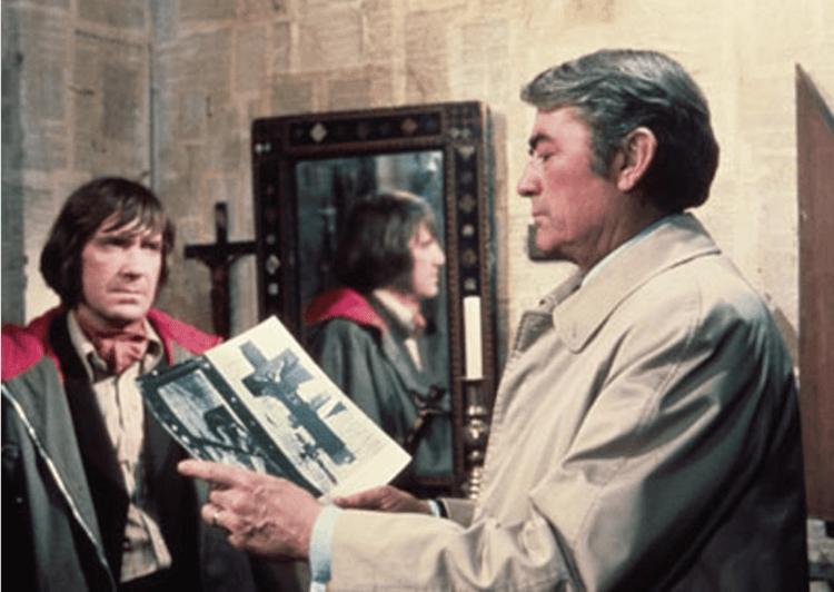 導演李察唐納 (Richard Donner) 在電影《天魔》中減少了戴米恩外在的惡魔形象。