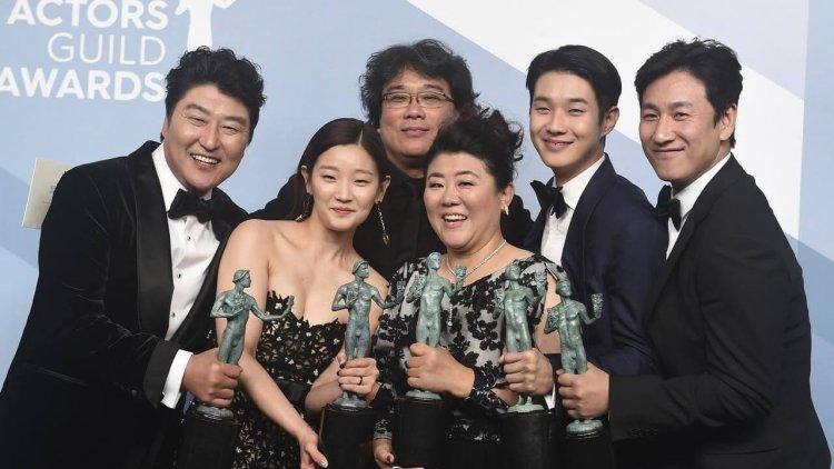 第 26 屆美國演員工會獎電影類得獎名單:《寄生上流》再寫影史紀錄,奧斯卡影帝后態勢明朗首圖