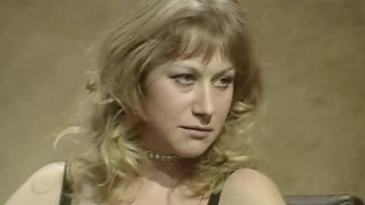 米蘭在攝影機前明確地顯示她的厭惡
