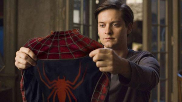 陶比麥奎爾 當年所飾演的 山姆雷米版《 蜘蛛人 》劇照。