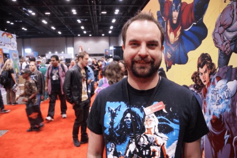 百般斟酌後仍放棄掉《刀鋒戰士:獵人》的前漫威編劇湯姆西利,目前任職於 DC。