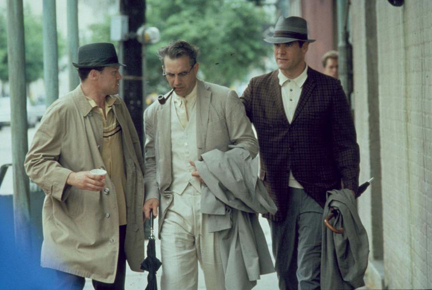 麥克魯克 在《 誰殺了甘乃迪 》和 凱文科斯納 有精采共演。