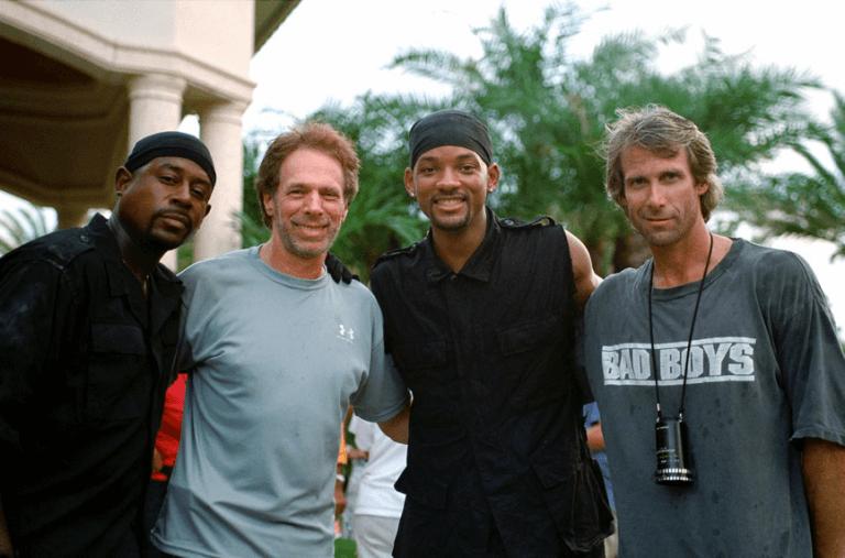 2003 年動作電影《絕地戰警 2》馬汀勞倫斯、製作人傑瑞布洛克海默、威爾史密斯與導演麥可貝的幕後合影。