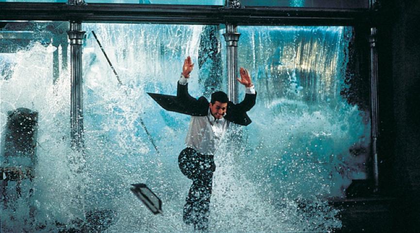 《 不可能的任務 》經典的水族館動作戲場景。