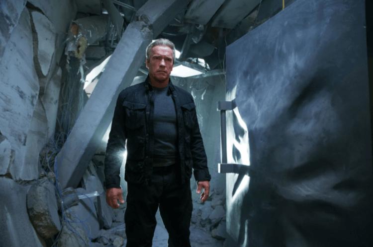 由阿諾飾演的 T-800 在《魔鬼終結者:創世契機》電影中獲得了 T-1000 的變形能力。