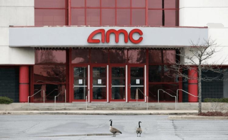 美國許多連鎖電影院因疫情而工作停擺。