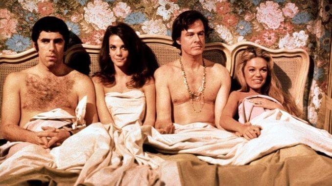 保羅莫索斯基 1969 年執導的《兩對鴛鴦一張床》。
