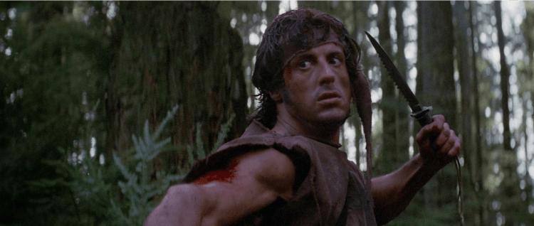 反映越戰之後的美國樣貌,1982 年電影《第一滴血》中的越戰隊伍軍人藍波,對上韓戰退伍背景的警長,結局令人不捨。