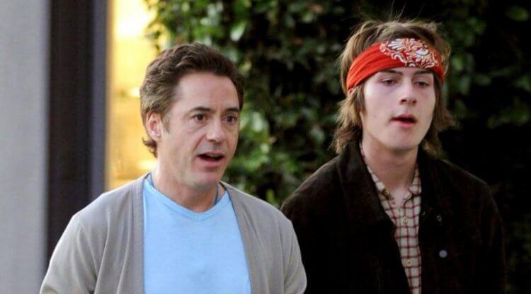 小勞勃道尼與兒子