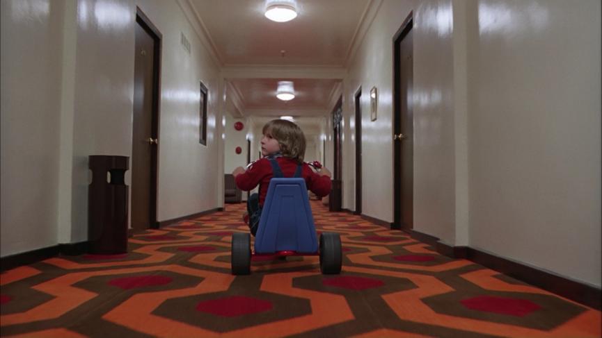 恐怖在哪裡?場景告訴你──經典恐怖電影《 鬼店 》 劇照 。