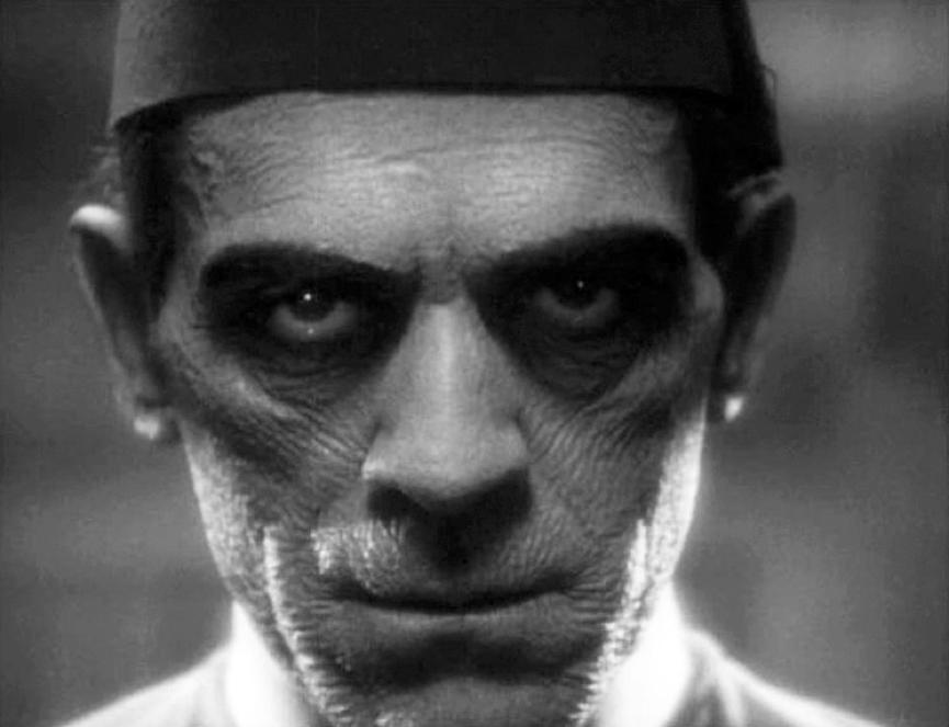 1932年 布利斯卡洛夫 飾演的《 木乃伊 》 劇照 。