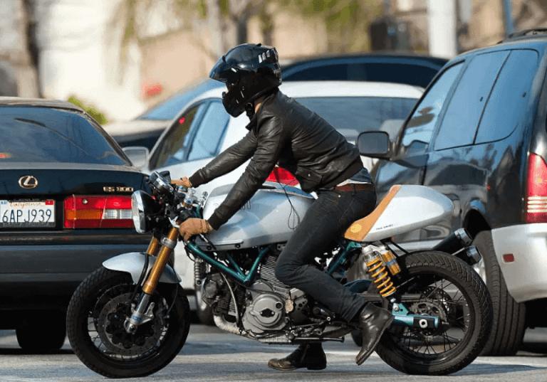 雷諾斯與他的 Ducati Sport Classic 1000