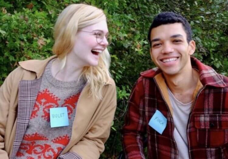 艾兒芬妮與賈斯特史密斯主演 Netflix 浪漫電影《生命中的燦爛時光》。