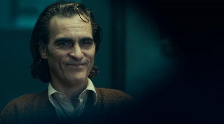 瓦昆菲尼克斯在《小丑》中的表演令人驚艷,已有影評稱他值得一座奧斯卡。