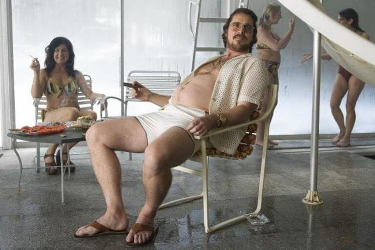 2013 年克里斯汀貝爾為《瞞天大佈局》首度挑戰增肥,份量十足!