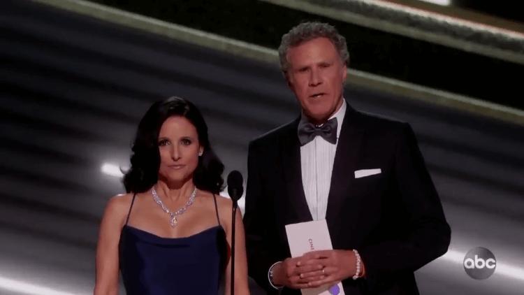 威爾法洛 (Will Ferrell) 和茱莉亞路易斯德瑞福斯 (Julia Louis-Dreyfus) 在奧斯卡上一同頒獎。