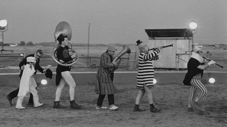 費里尼電影《八又二分之一》劇照。