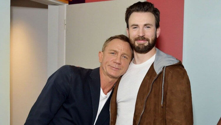 丹尼爾克雷格在推理電影《鋒迴路轉》中與「美國隊長」克里斯伊凡搭檔演出。