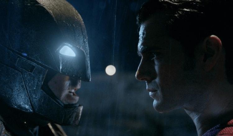 曾 / 可能將推出過「導演剪輯版」電影的《蝙蝠俠對超人:正義曙光》。