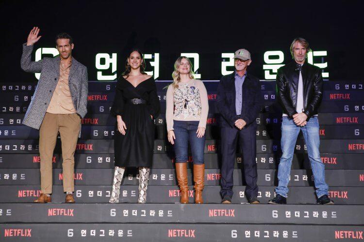 《鬼影特攻:以暴制暴》導演麥可貝、主演萊恩雷諾斯、梅蘭妮洛宏、安卓亞霍娜,以及製片伊恩布萊恩參與了韓國首爾的記者會。