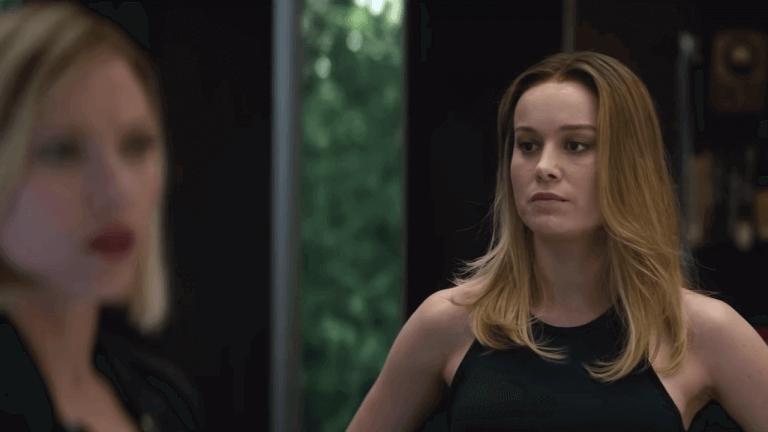 當驚奇隊長出現在《復仇者聯盟:終局之戰》預告中,角色形象與妝感與她在個人電影當中明顯不同。