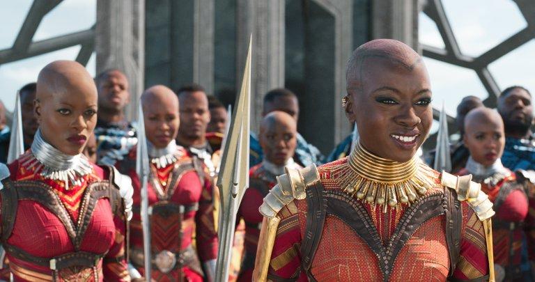 戴娜葛里拉表示她在《黑豹》飾演的瓦干達侍衛長「奧科耶」戰服上「有許多小零件」。
