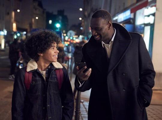 Netflix 原創法國影集《亞森羅蘋》劇照。