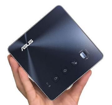 讓家用投影機輕鬆把家變成電影院:ASUS ZenBeam S2 微型 LED 無線投影機。