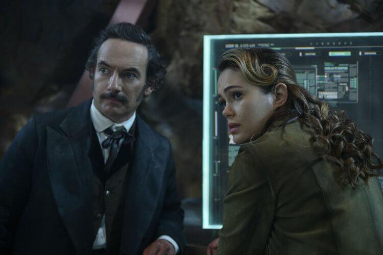 Netflix 影集 碳變 第二季 劇照。