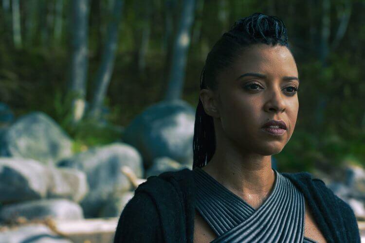 Netflix 影集《碳變》(Altered Carbon) 第二季劇照。