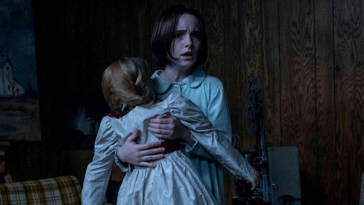 《安娜貝爾回家囉》億萬編劇蓋瑞道柏曼執導,女孩們尖叫「太淒厲」連劇組都被嚇倒首圖