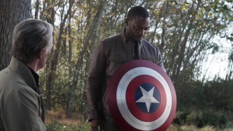 漫威超級英雄電影《復仇者聯盟 4:終局之戰》(Avengers: Endgame) 電影中,克里斯伊凡飾演的美國隊長將盾牌傳承出去的一幕。