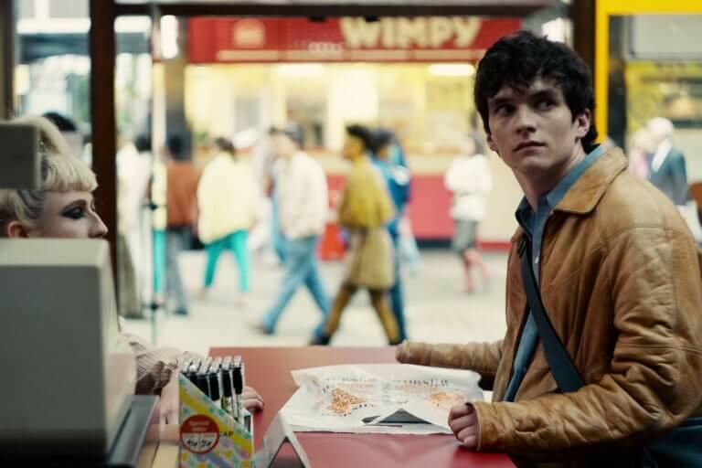 菲昂懷海德(Fionn Whitehead)擔任《黑鏡:潘達斯奈基》主角