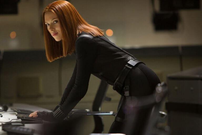 史嘉蕾喬韓森 (Scarlett Johansson) 飾演的黑寡婦 (Black Widow) 身材火辣。