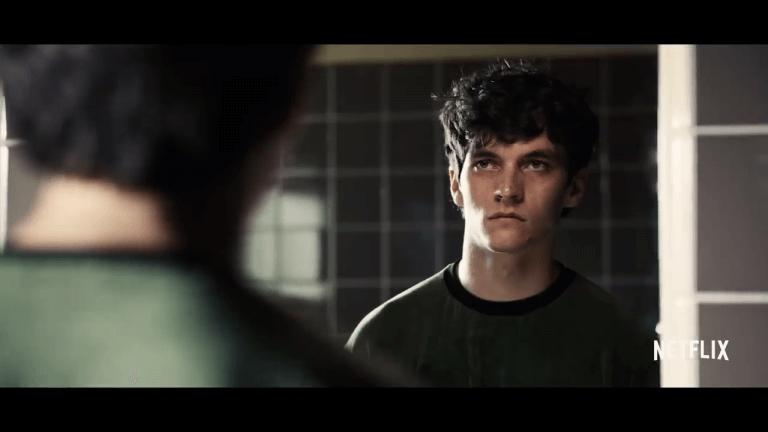 《黑鏡:潘達斯奈基》史戴分在某些劇情殺了父親彼得