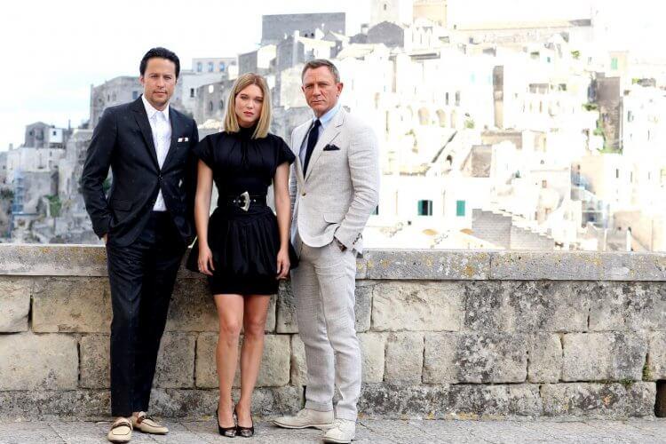 《007:生死交戰》導演凱瑞福永(左)、演員蕾雅瑟杜(中)以及丹尼爾克雷格(右)。