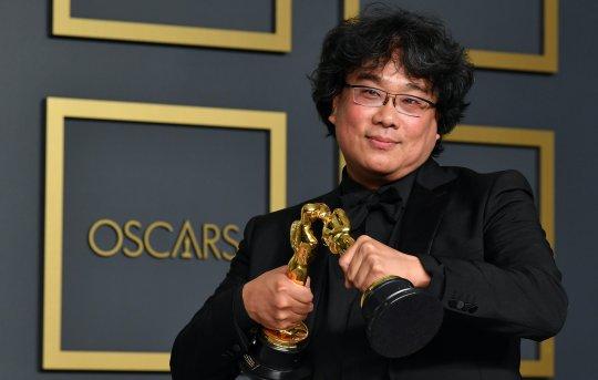 《寄生上流》獲奧斯卡最佳影片、最佳導演等四項大獎