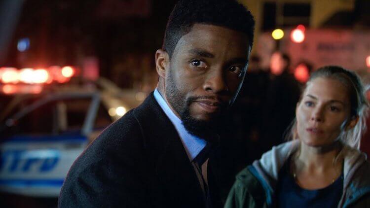 「黑豹」查德威克鮑斯曼動作新片《暴走曼哈頓》(21 Bridges) 演出正義警探英雄。