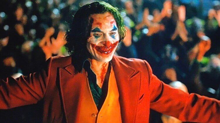 【影評】《小丑》: 有這個動蕩不安的群體社會,便不必受化學池的洗禮首圖