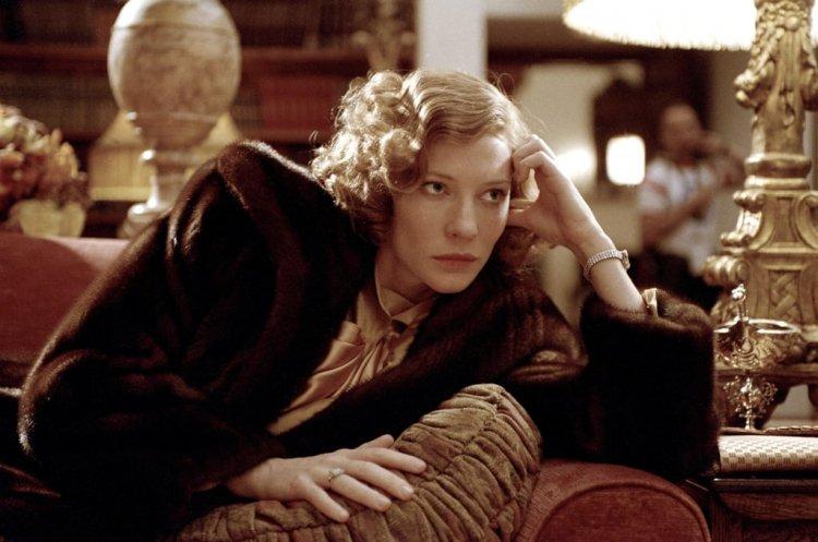 馬丁史柯西斯執導的《神鬼玩家》(The Aviator) 中,凱特布蘭琪 (Cate Blanchett) 詮釋多度奪得奧斯卡影后的凱薩琳赫本 (Katharine Hepburn)。