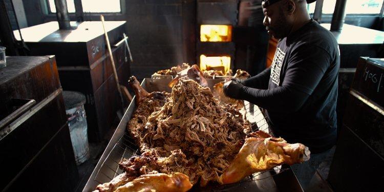 《主廚的餐桌:BBQ》劇照。
