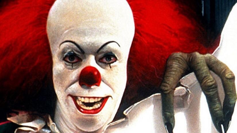 1990 年電視電影版《 靈異魔咒 》中的 小丑 形象。