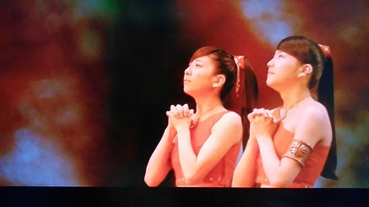 2003 年東寶怪獸電影《哥吉拉×摩斯拉×機械哥吉拉 東京 SOS》中,由大塚千弘及長澤雅美飾演的小美人,對人類拋出極具省思的問題。