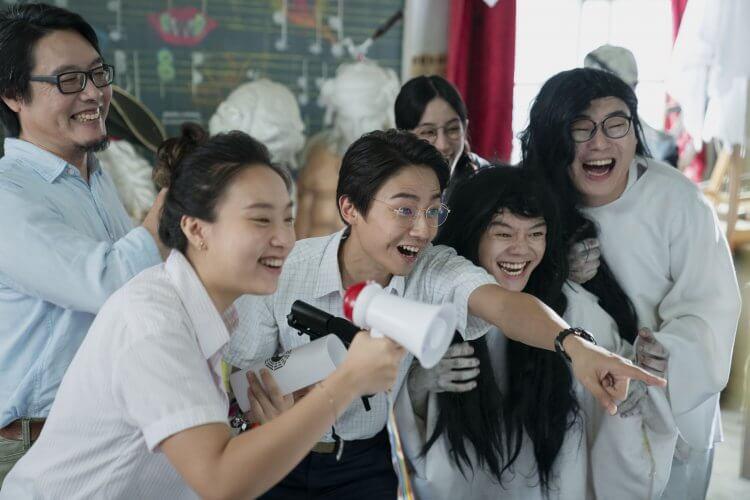 以台灣宮廟文化與青春學園生活交織的 HBO 原創華語影集《通靈少女》第二季再度集結優秀卡司陣容,表現全新內容。