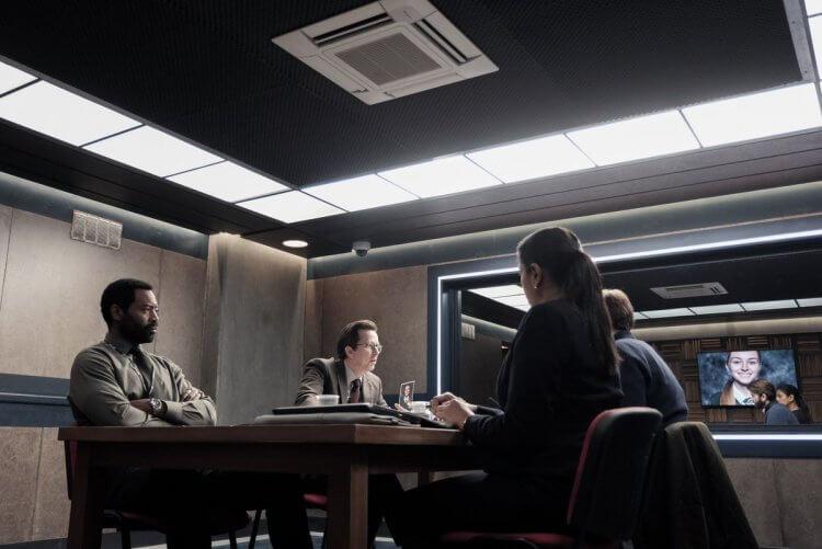 Netflix 跨國原創影集《刑案偵訊室》