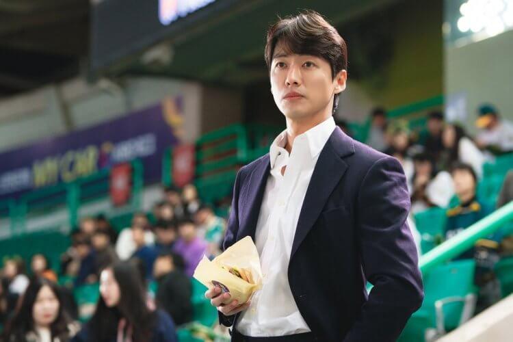 韓劇《金牌救援:Stove League》南宮珉。