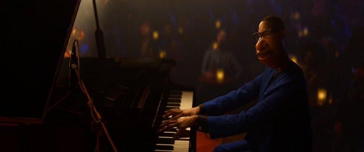 由傑米福克斯配音演出的《靈魂急轉彎》主角喬加納德熱衷音樂,終於獲得機會在一家頂級爵士音樂俱樂部演出時,卻喜極生悲。