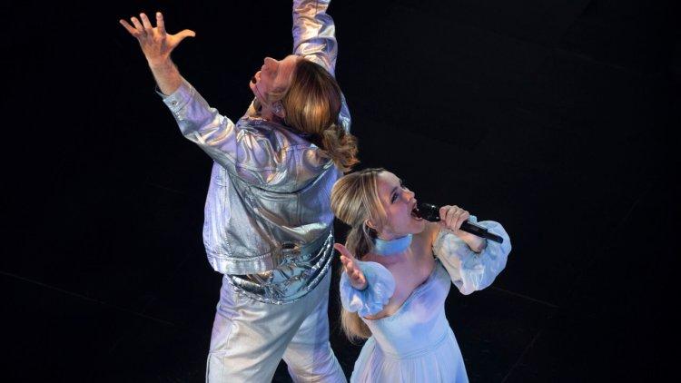 【線上看】追夢之路必有災難!《歐洲歌唱大賽:火焰傳說》瑞秋麥亞當斯與威爾法洛越挫越勇首圖
