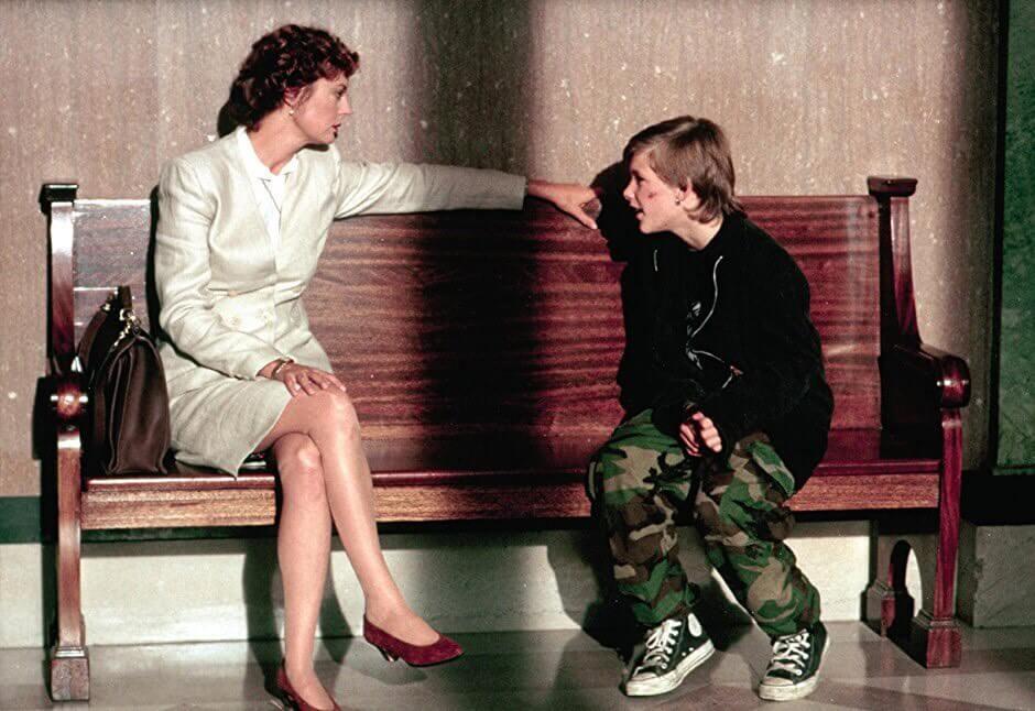 蘇珊莎蘭登 在電影《 終極證人 》中飾演一名律師。